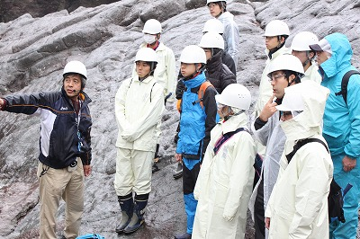上久下で宿泊研修 化石や自然史学ぶ 龍野高校