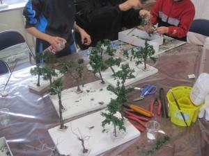 木に葉をつける