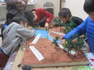 草や木を配置する