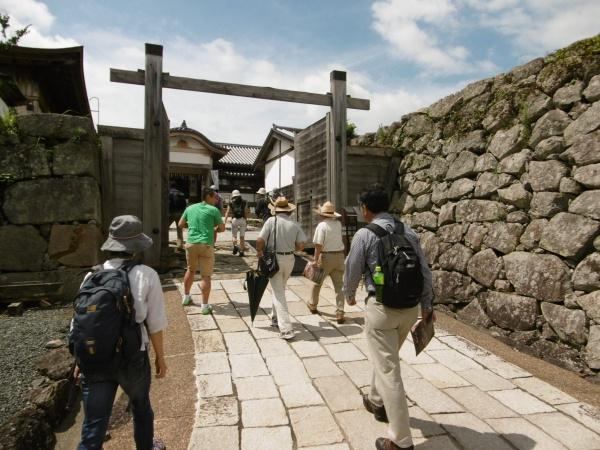 篠山層群の地層見学と石割体験に参加してきました。